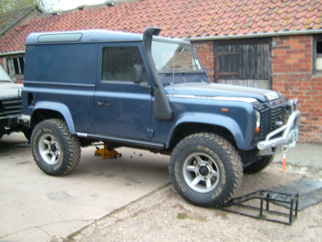 Land Rover Defender 300 Series March 94 Lrs Offroad