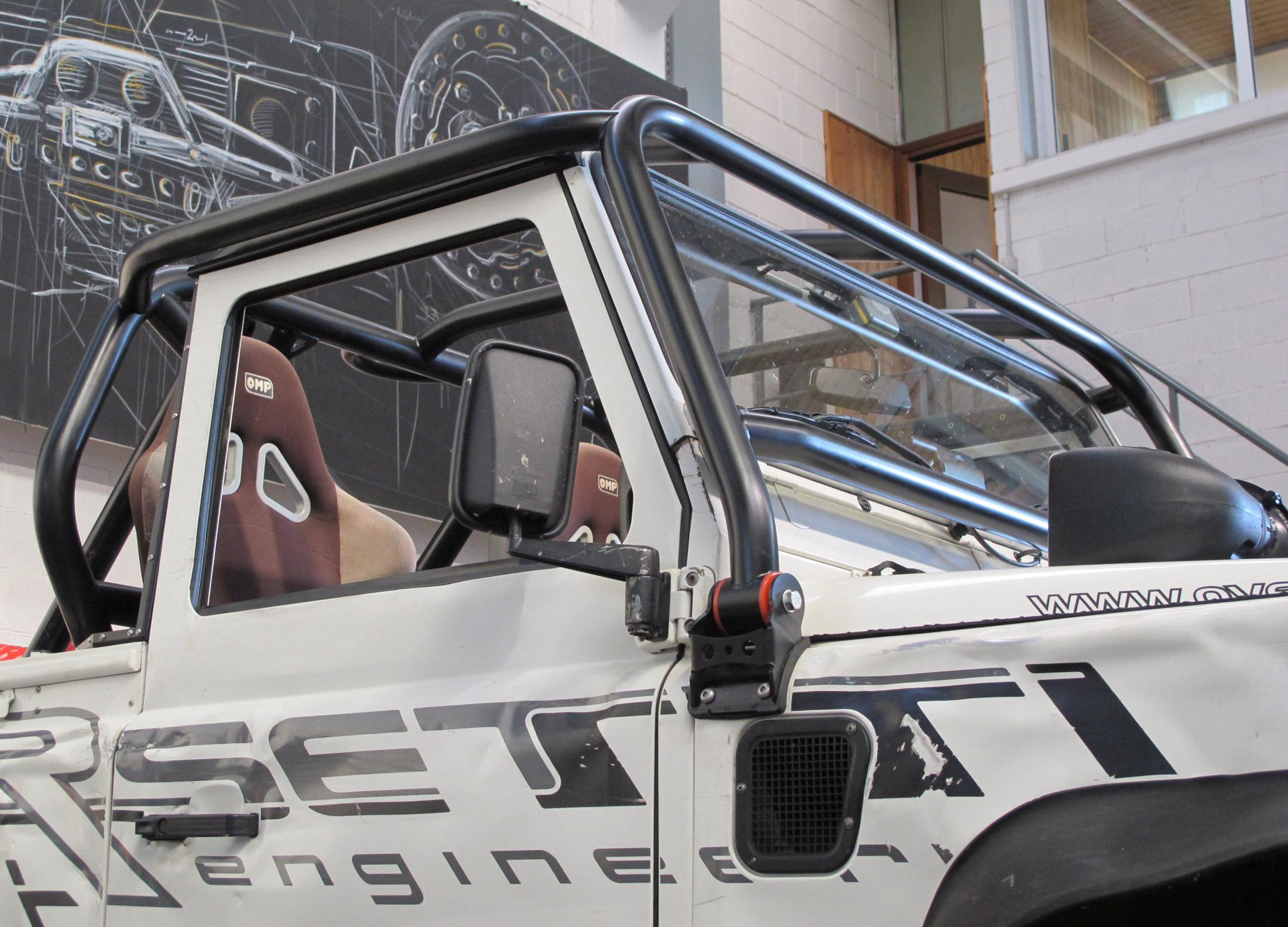 Defender Roll Cage Kit >> COR4 Roll Cage Defender 90 pick-up - LRS Offroad